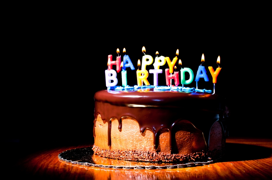 Holidays___Birthday_Candles_on_the_cake_for_the_birthday_050787_